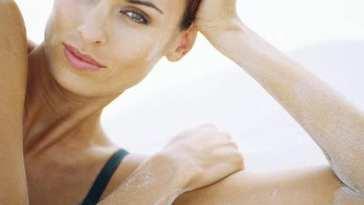 Cuide sua pele e seu cabelo dos estragos do sol - O Verão Detonou a Sua Pele?