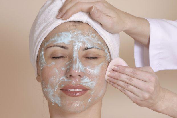 iStock 000000299405 Medium 621x414 - Qual ácido para o rosto é mais indicado?