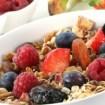 frutas vermelhas aveia - Que tal cuidar do rosto com alimentos?
