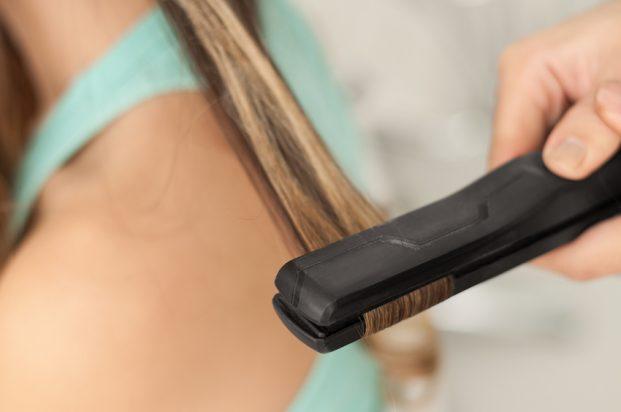 iStock 24891484 SMALL 621x412 - Chapinha no Cabelo - Cuidados Básicos