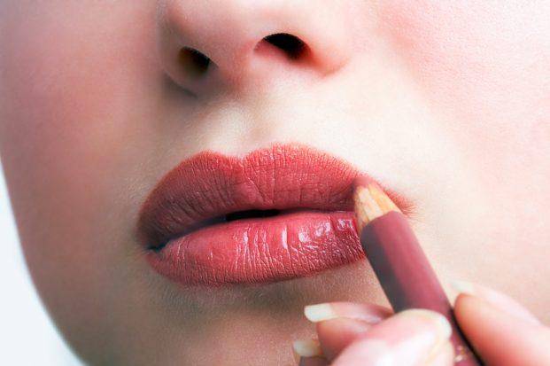 iStock 5079544 SMALL 621x413 - Lábios de Diva - Aprenda a Fazer!