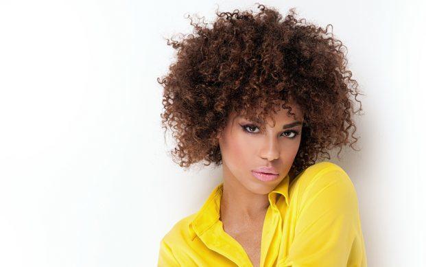 iStock 91504105 SMALL 621x389 - Cabelo Afro Curto - Como cuidar