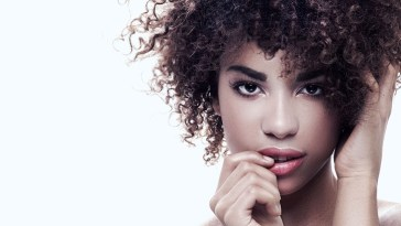 iStock 521992464 - Dicas para cabelos afros