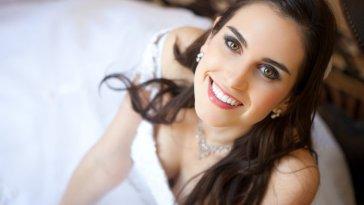 iStock 000017807503 Small - Maquiagem da noiva - Um make mais que especial
