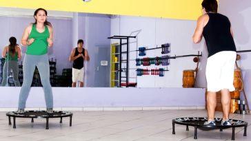 iStock 000026819815 Small - Jump - a um salto do peso ideal