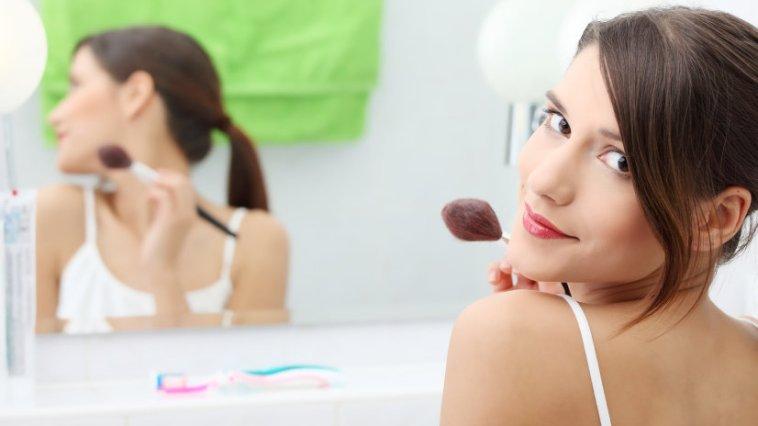 iStock 000015865426 Small - Maquiagem diária - Dicas para arrasar