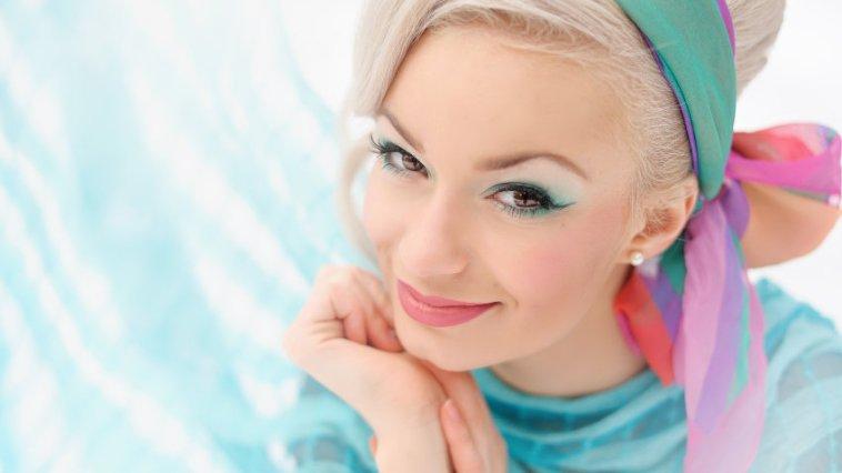 iStock 000041111628 Small - Acessórios para cabelo – Tendência 2016