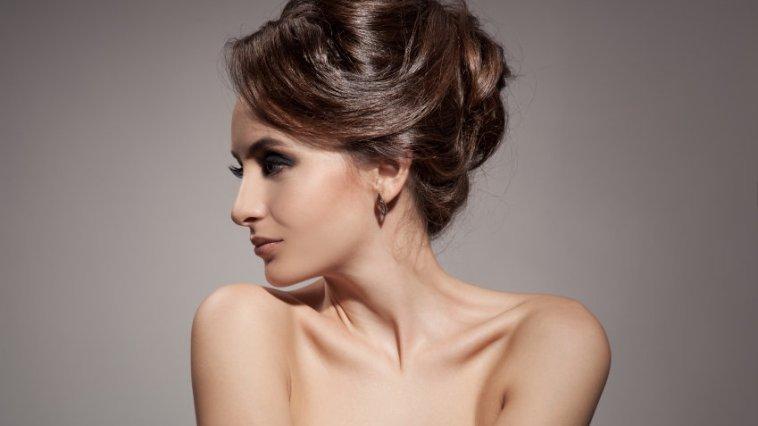 iStock 000054022674 Small - Penteados em cabelos curtos