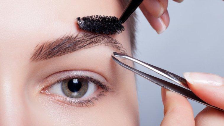 iStock 000086489155 Small - Como fazer a sobrancelha? Confira os cuidados!