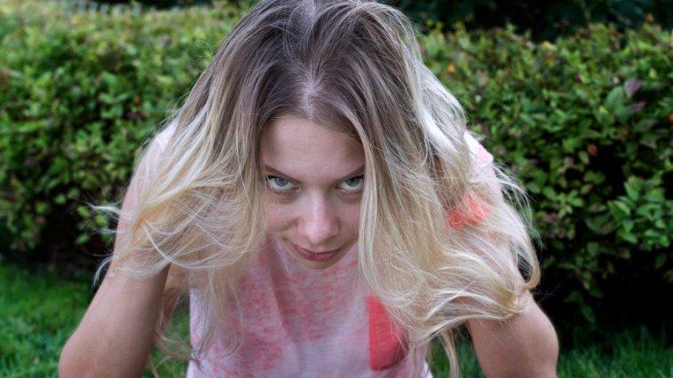 iStock 74824309 SMALL - Como pintar cabelo branco?
