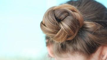 iStock 122746099 - Penteados para cabelos finos