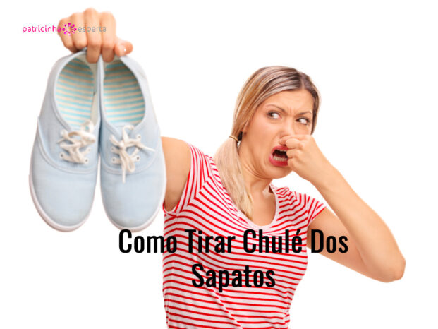 disgusted woman holding stinky shoes picture id579406594 621x466 - Como Tirar Chulé Dos Sapatos