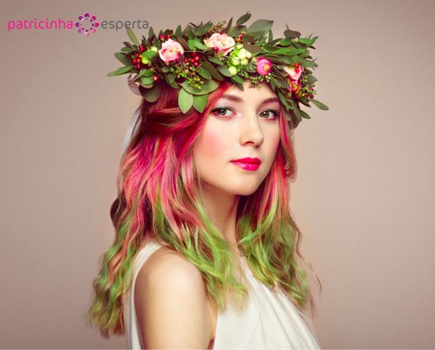 beauty fashion model girl with colorful dyed hair picture id851546938 - Tendências em cores de cabelos 2018