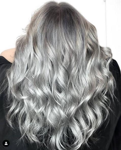 cabelo loiro acinzentado 1 - Cabelo Loiro Acinzentado: 80 Fotos + Minhas Dicas de Cuidados