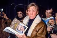 Le 26/01/1989 - Kirk Douglas à Paris pour la promo de sa biographie « Le fils du chiffonnier »