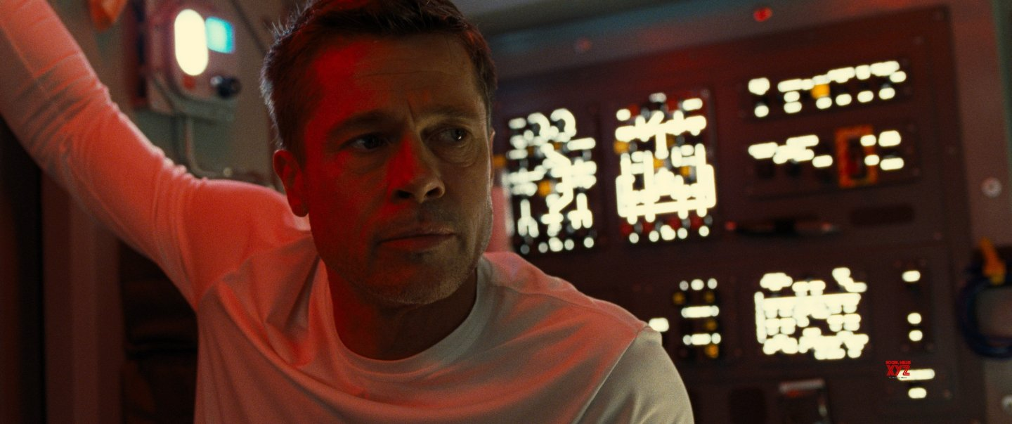 ad-astra-Movie-HD-Poster-and-Stills-3