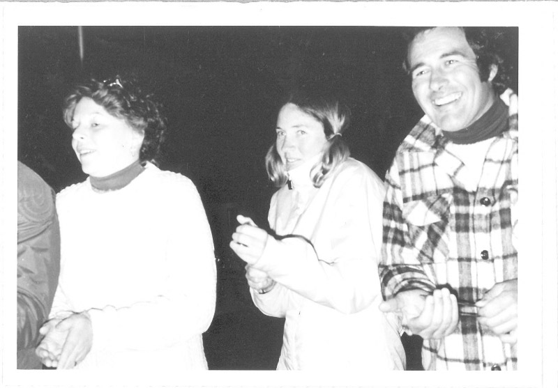 Jim Egan and Friends moving houseboats in 1975.