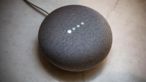 Google Home Mini – An uncomprehensive Unboxing & Review