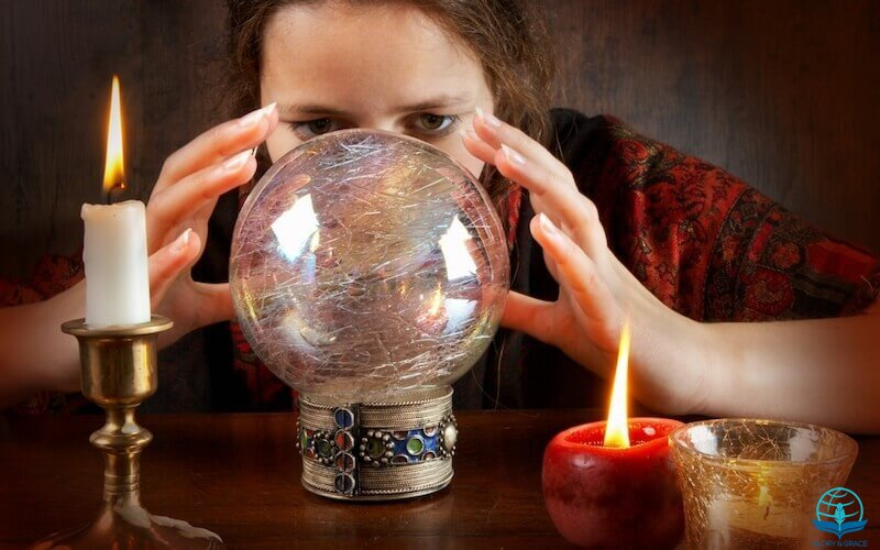 The spirit of divination showing a woman practicing divination