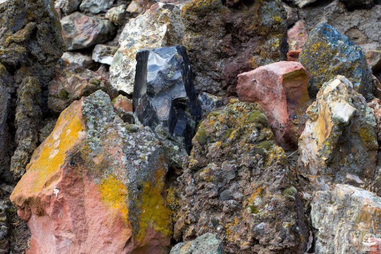 Rocks broken in pieces