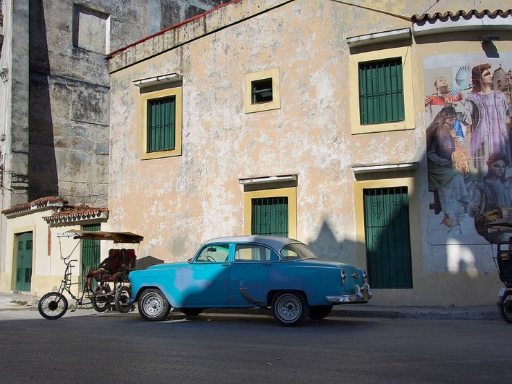 One of the Havana's many 1950s cars.