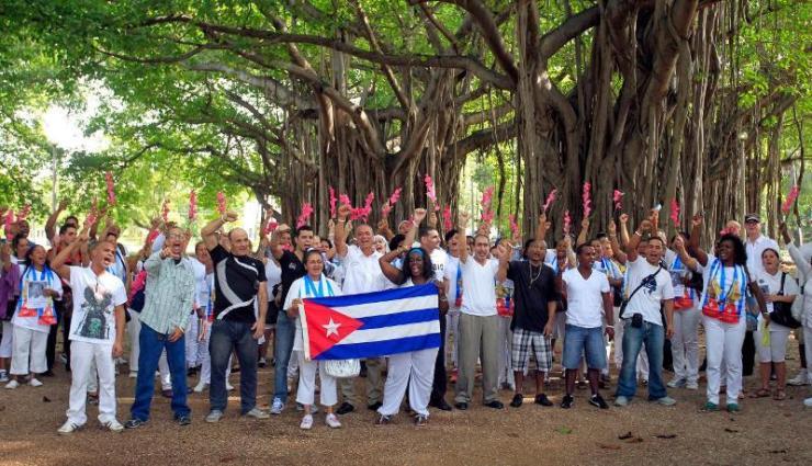 Released political prisoners march in Havana on Jan. 11, 2015. (Photo: Reuters)