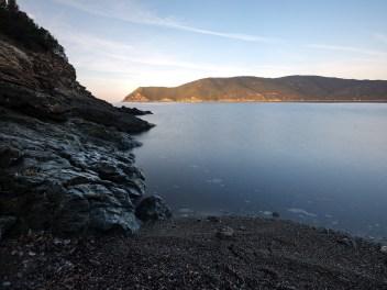 Kleine Bucht auf dem Inselarm Lacona
