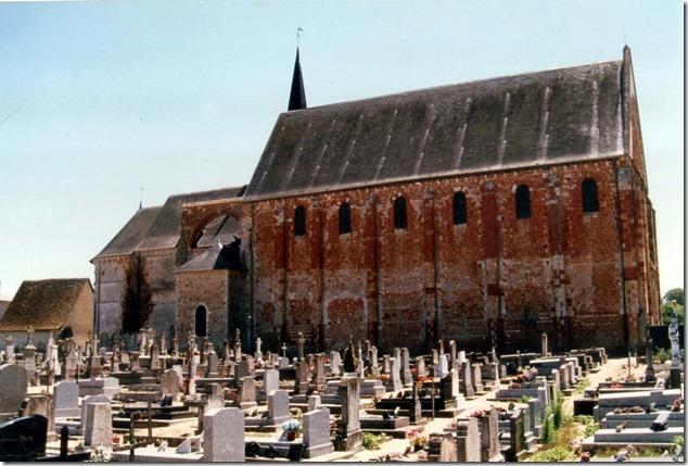 L'église Saint-Michel en grès rouge de Charost (Cher, 18)