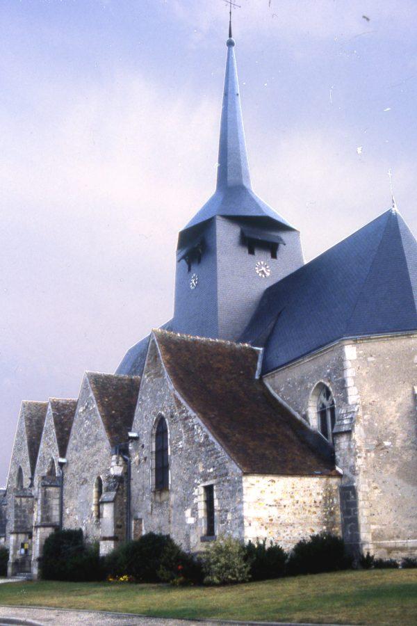 L'église Saint-Etienne de Clémont (Cher)