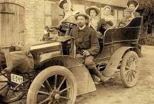 1902_Benz_Parsifal_810HP_Rear_Entrance_Tonneau-300x203 Marius Barbarou avant son arrivée chez Lorraine Dietrich Historique 7 Lorraine Dietrich