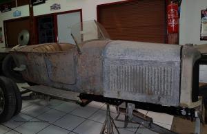 B2-2-300x195 Restauration de véhicules exclusifs Autre Divers