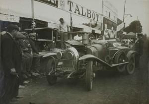 1925. Les 24 heures du Mans. Le Stand Lorraine-Dietrich
