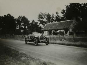1925. Les 24 heures du Mans.De Courcelles et Rossignol