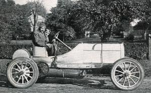 Mercedes-Simplex-Course-7500cc-1906-William-Luttgen-pour-la-coupe-Vanderbilt-300x184 Mercedes-Simplex Course 1906 Divers