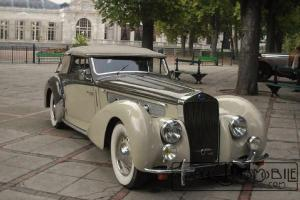 d8120-van-vooren-300x200 Delage D8-120 Cabriolet par Vanvooren 1938 Divers