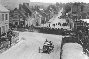 Theo-schenider-Rene-Champoiseau-lors-du-Grand-Prix-de-France-de-1913-à-Amiens-300x200 Théophile Schneider GP Course de 1913 Divers