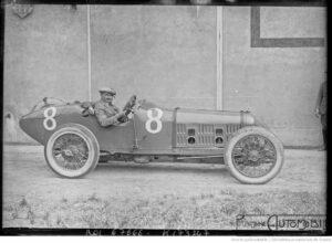 23-7-21-Le-Mans-Jean-Chassagne-sur-Ballot-usines-Bollée-pesage-du-grand-prix-de-lA.C.F.-300x220 Ballot 3 litres 1920 Cyclecar / Grand-Sport / Bitza Divers