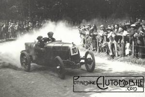 Un-HE-se-dirige-entre-les-spectateurs-en-juillet-1922-à-la-montée-Shelsley-Walsh-hill-300x200 H.E. Herbert Engineering Co Divers