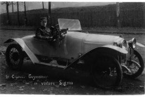 Guynemer_sur_voiture_Sigma___...Agence_de_btv1b90307313-300x200 Sigma 1916 Divers Voitures françaises avant-guerre