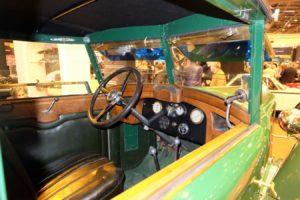 Peugeot-176-1926-cabriolet-Felber-après-restauration-Rétromobile-20187-300x200 Peugeot 176 Cabriolet Felber 1926 (2/2) Divers Voitures françaises avant-guerre