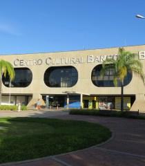 Praça circular e Fachada do prédio - capa post