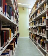 corredor da biblioteca