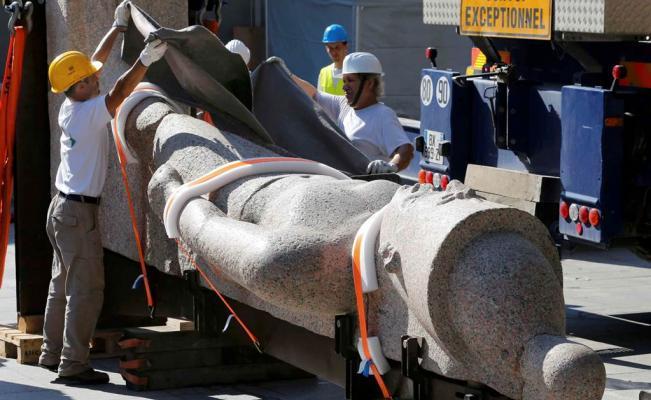 Estatuas egipcias colosales llegan a París