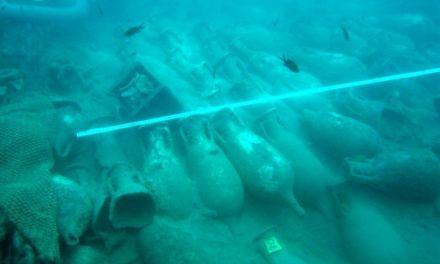 Uno de los lingotes de plomo del pecio Bou Ferrer viajará al Museo Arqueológico Nacional