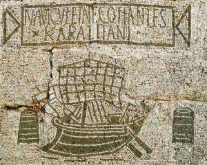 Mosaico romano de nave oneraria en transporte por el Mediterráneo. Magistrales mosaicos de la antigüedad y ejemplos de su legado, las representaciones como esta, en el puerto romano de Ostia.