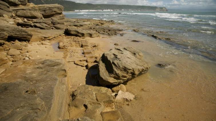 El temporal deja al descubierto restos arqueológicos en Trafalgar