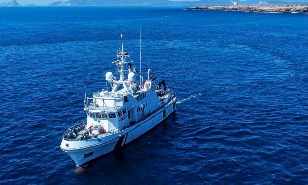 Una embarcación (SYLT) con la última tecnología explora los yacimientos submarinos de Formentera