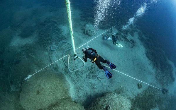 Descubren restos valiosos en el barco que trasladaba a Inglaterra los mármoles del Partenon y que naufragó
