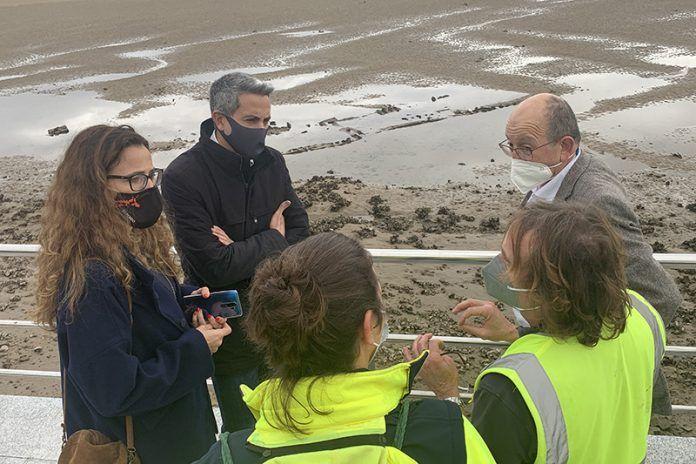 Zuloaga destaca el hallazgo en la Ría de San Vicente de un pecio, que podría llevar más de 100 años bajo el agua