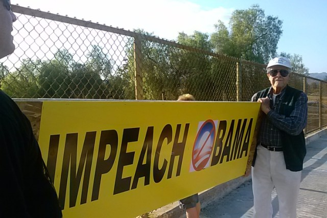 WWII Veteran Takes Part in Impeach Obama Overpass Demo